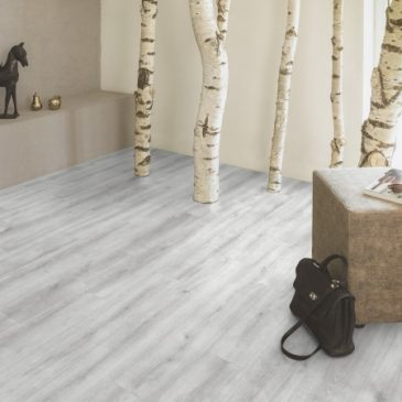 JE366474 Laminate Pine grey 8mm, 2 strip μόνο €9,60/m2