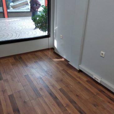 ανακαίνιση γραφείου με laminate
